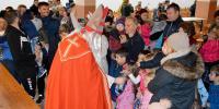 Sveti Nikola darivao djecu prigodnim poklonima